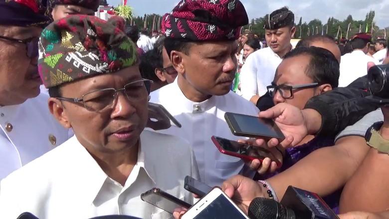 Gubernur Koster Bakal Bikin Aturan soal Etika Berwisata di Bali