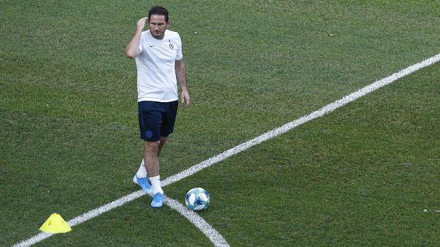 Frank Lampard wajib mengangkat kembali kepercayaan diri Chelsea.