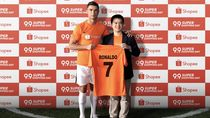 Cristiano Ronaldo Digaet e-Commerce, Pamer Jersey Nomor 7