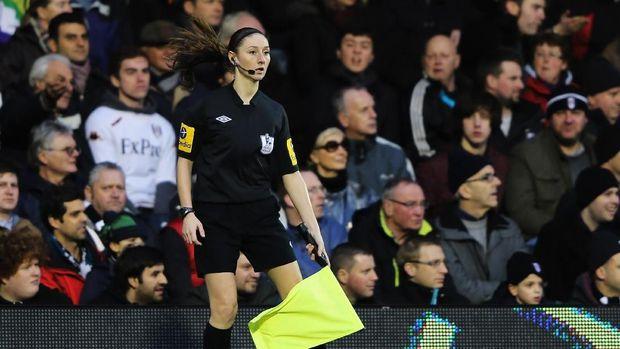 Stephanie Frappart dan Deretean Wasit Perempuan di Ajang Sepakbola Pria