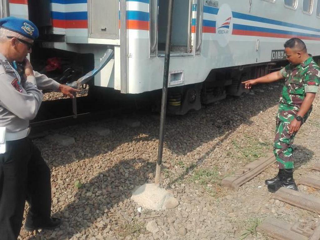 KA Galunggung Anjlok di Garut, 77 Penumpang Dievakuasi