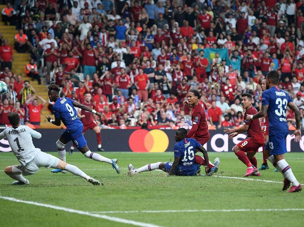 Van Dijk: Laga yang Bagus untuk Penonton, Tidak untuk Pemain