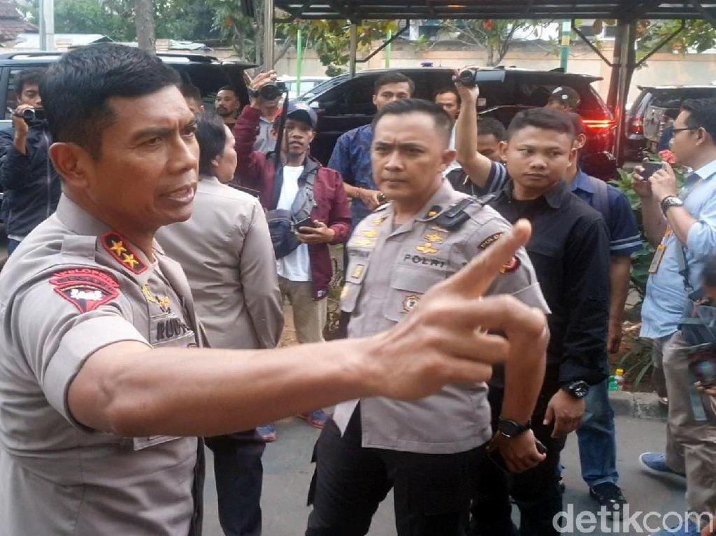 Ricuh Berujung Polisi Terbakar, Kapolda: Demo Tidak Boleh Bakar Ban