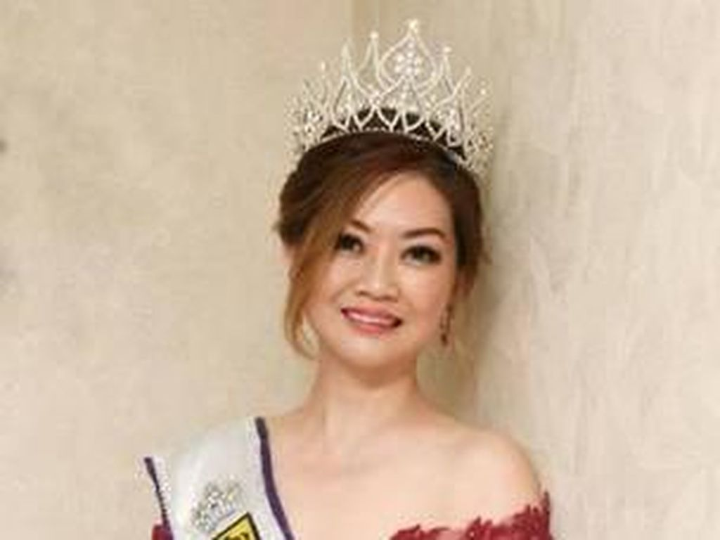 Wanita Ini Juara Kontes Kecantikan, Nggak Sangka Ternyata Nenek 5 Cucu