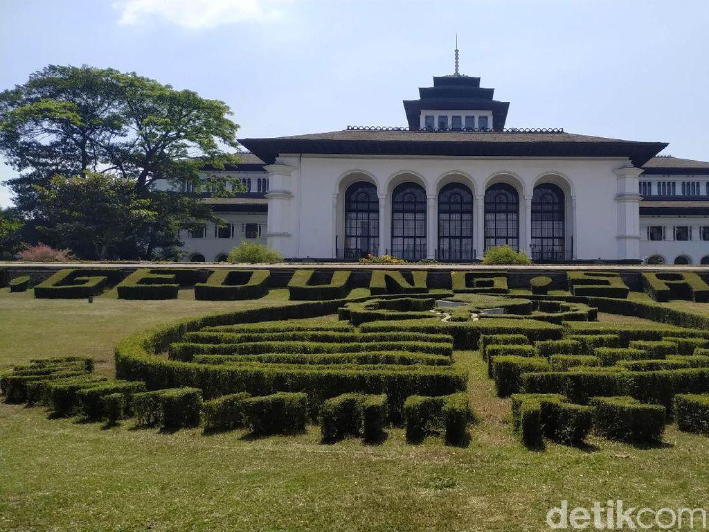 Pemkot Bandung akan Kembangkan Wisata Halal, PSI: Tidak Urgen!