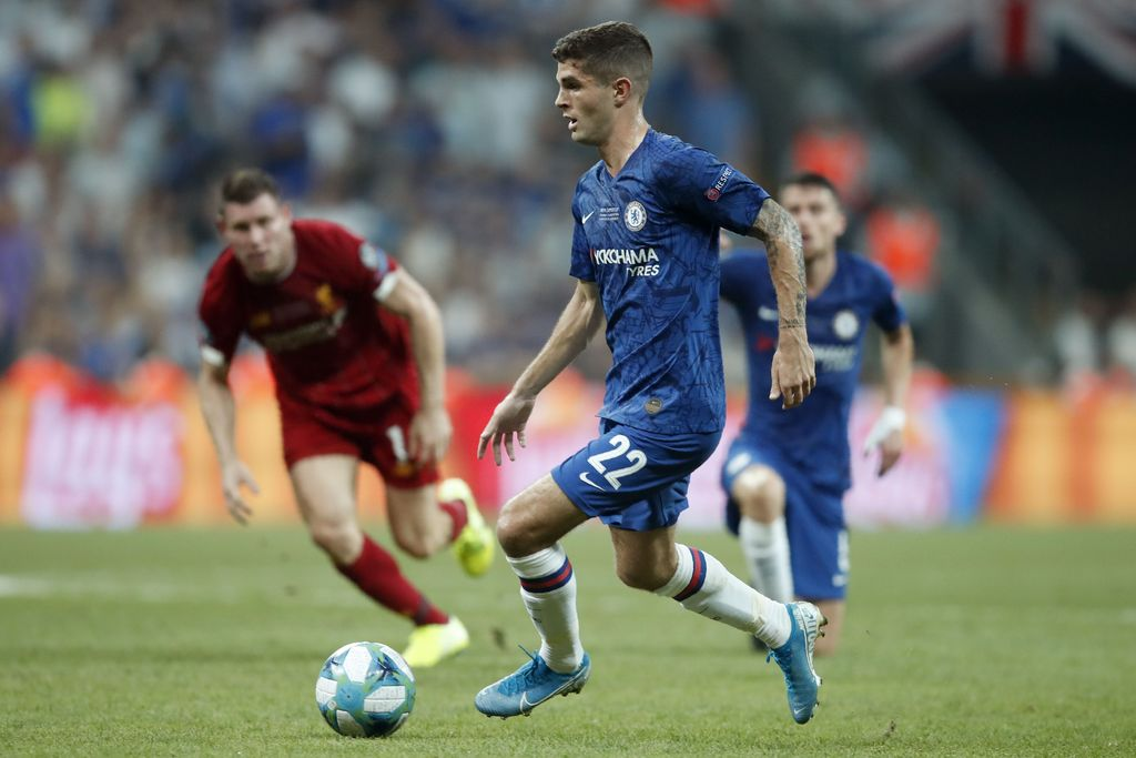 Chelsea's Christian Pulisic runs with the ball during the UEFA Super Cup soccer match between Liverpool and Chelsea, in Besiktas Park, in Istanbul, Wednesday, Aug. 14, 2019. (AP Photo/Thanassis Stavrakis)