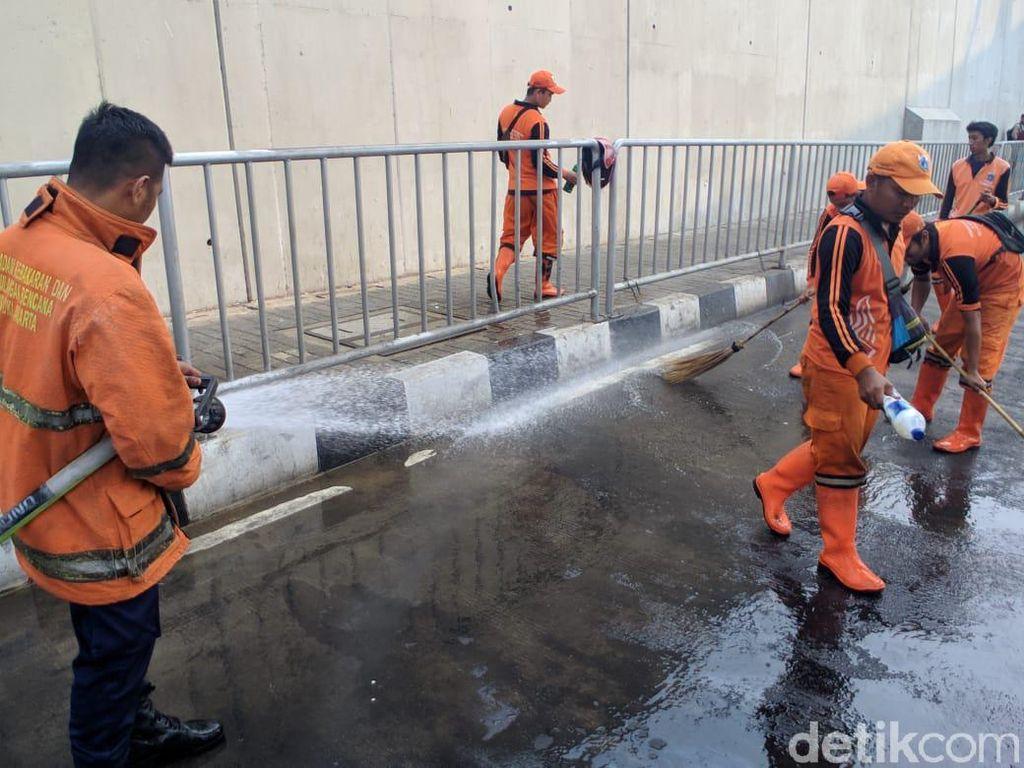 Trotoar Dekat MRT Lebak Bulus Bau Pesing, PPSU: Sopir Kencing Sembarangan