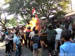 Kaleidoskop 2019: Polisi Terbakar Api Mahasiswa-Debt Collector Dihabisi Nasabah