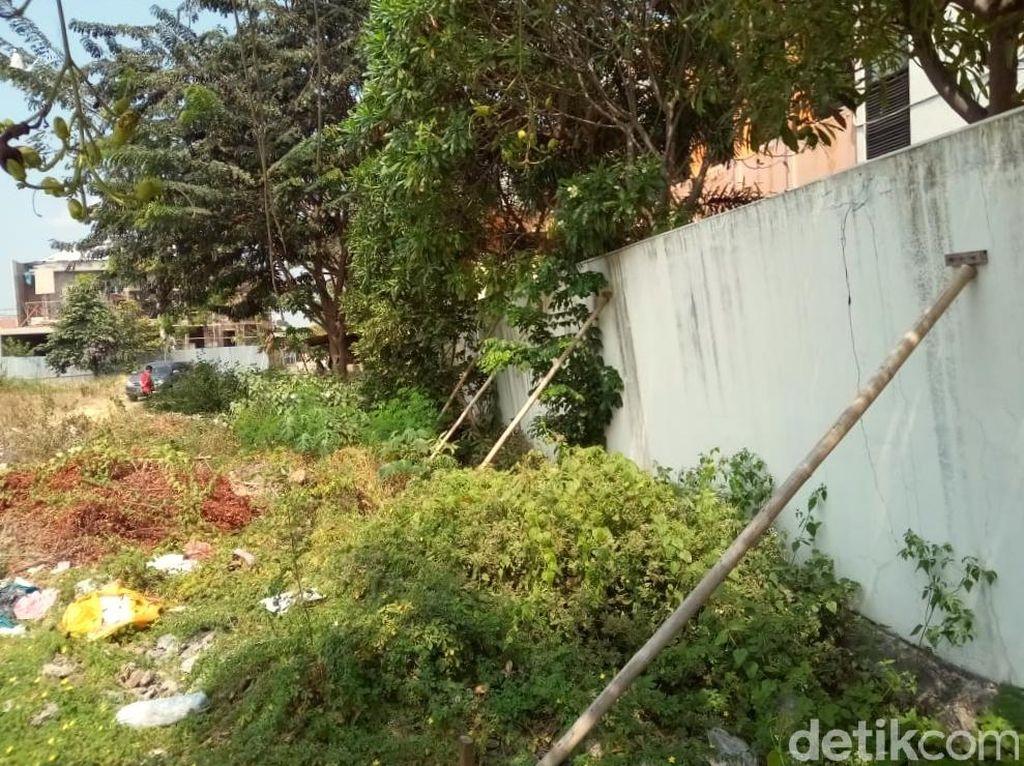 Tembok Kantor KPU Surakarta Miring dan Hampir Roboh