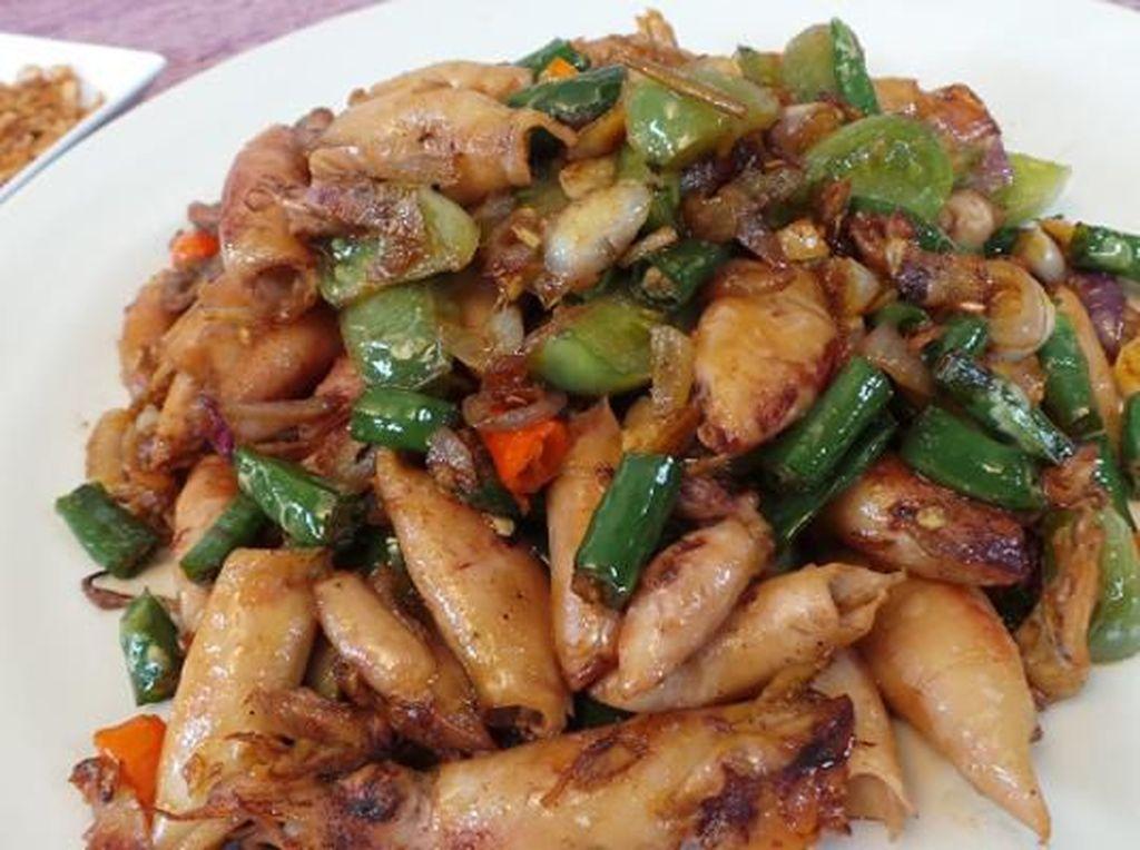 3 Resep Cumi Asin yang Pedas Gurihnya Bikin Nambah Nasi
