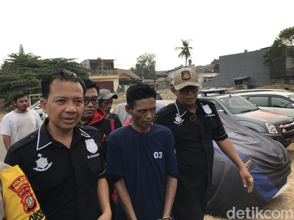 Tangan Diborgol, Jumharyono Jalani Reka Ulang Aksinya Bunuh Istri