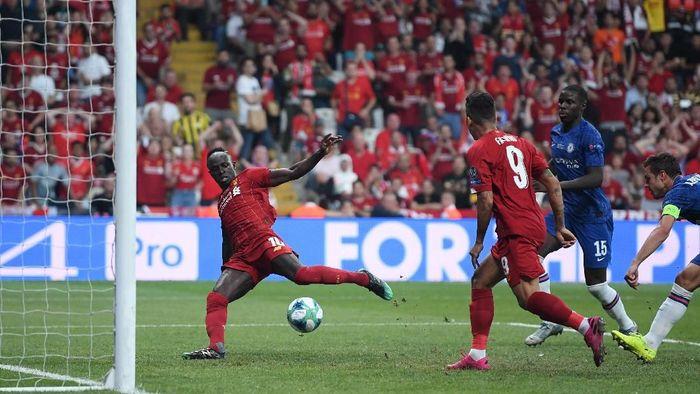 Liverpool vs Chelsea berakhir 1-1 di waktu normal. (Foto: Michael Regan/Getty Images)