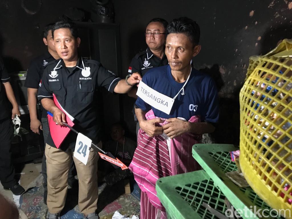 Reka Ulang Kasus Bunuh Istri dan Bakar Rumah, Jumharyono Lakukan 29 Adegan