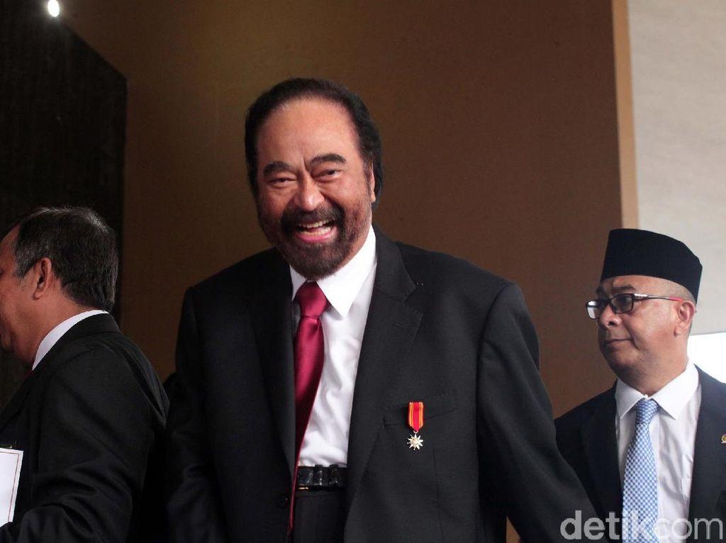 Jokowi dan Surya Paloh Bertemu Semalam, Bahas Kabinet?