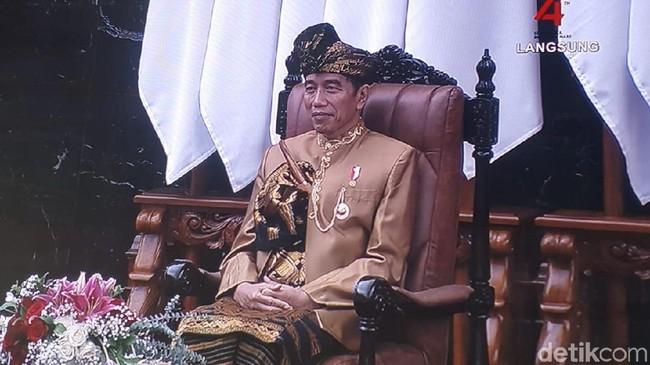Jokowi dan Baju siapa?