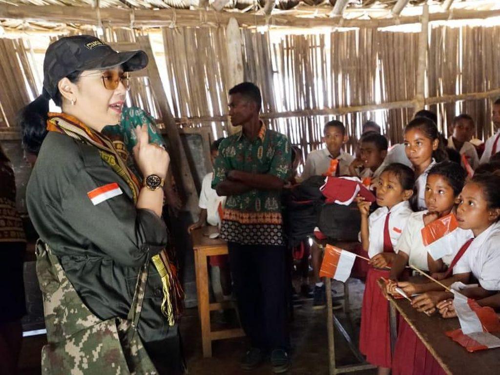 Potret Anita Chairul Tanjung Isi Kemerdekaan di Tapal Batas