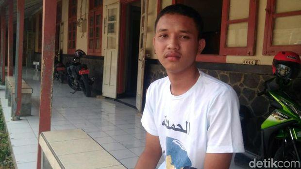 Tolong Aiptu Erwin yang Terbakar, Aksi Pelajar Cianjur Ini Banjir Pujian