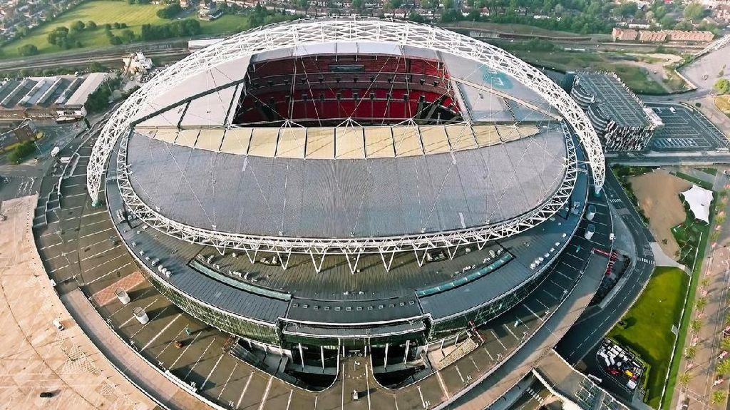 Foto: Stadion Sepakbola dengan 2.618 Toilet