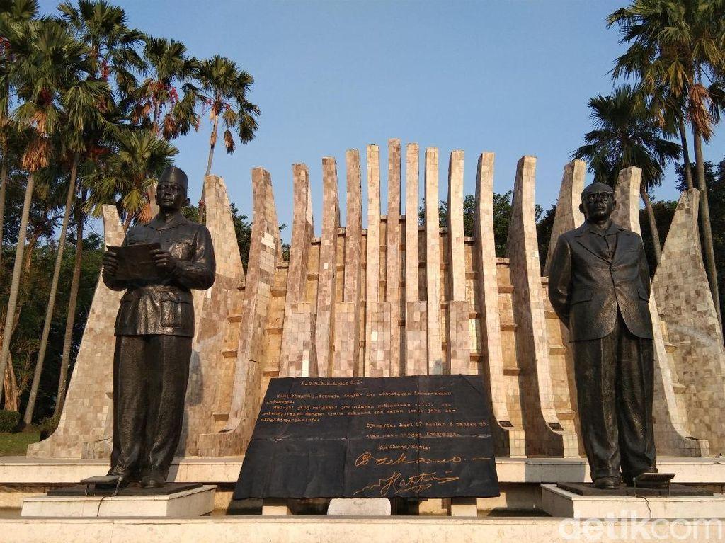 Aneka Fakta Taman Proklamator, Tempat Teks Proklamasi Dibacakan