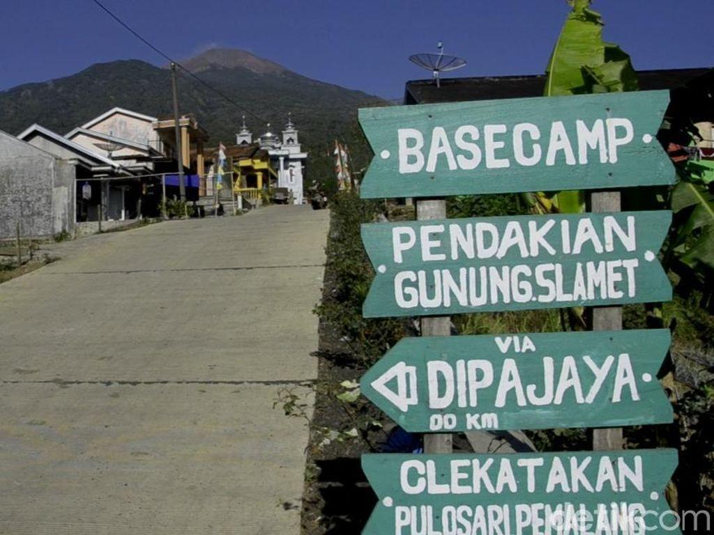 Sepekan Gunung Slamet Berstatus Waspada, Jalur Pendakian Masih Ditutup
