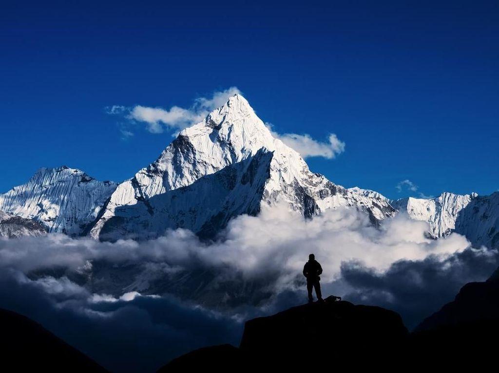 Bagaimana Sih Caranya Mengukur Puncak Everest?