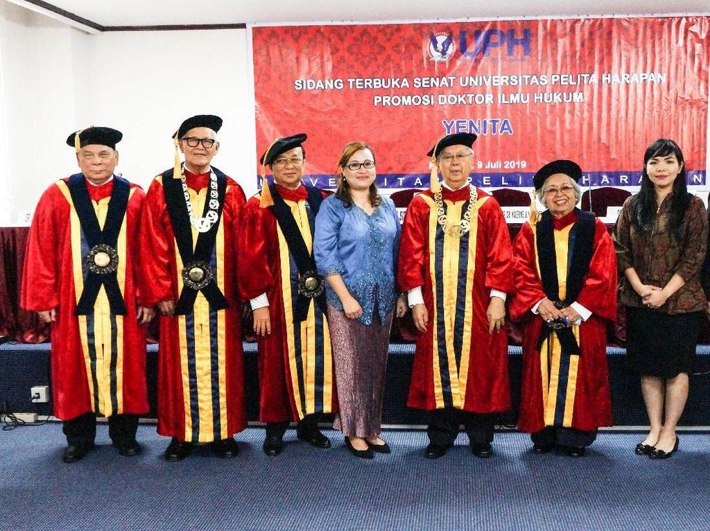 Potret Dosen Untar Dr Dr Yenita SE MM MBA MSi MT MH MPD MAK ME MIKOM MMSI