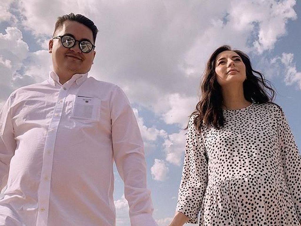 Beda dari yang Lain, Wanita Ini Pakai Gaun Polkadot di Pernikahan