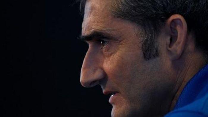 Pelatih Barcelona Ernesto Valverde. (Foto: LLUIS GENE / AFP)