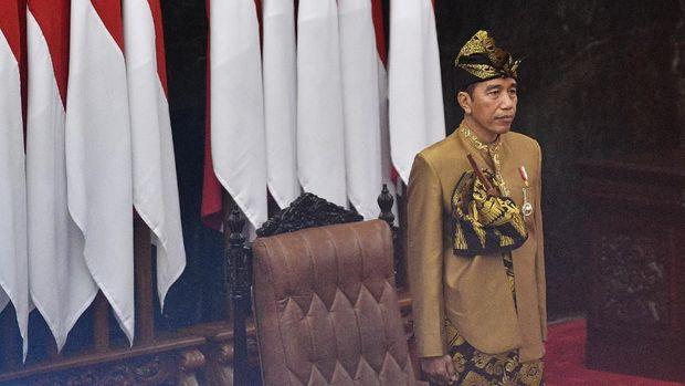 Fahri Hamzah Kaitkan Baju Sasak Jokowi dan Kekalahan di NTB