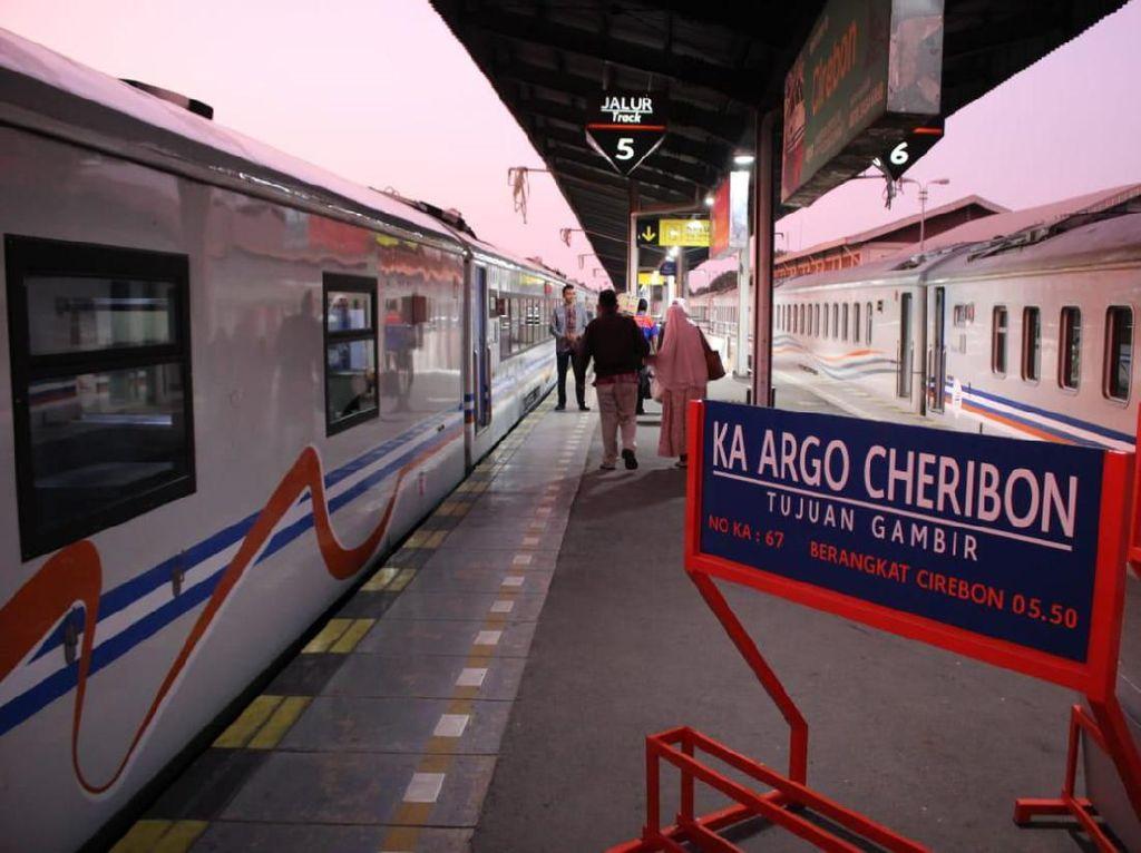 Rahasia di Balik Nama Kereta Api di Indonesia