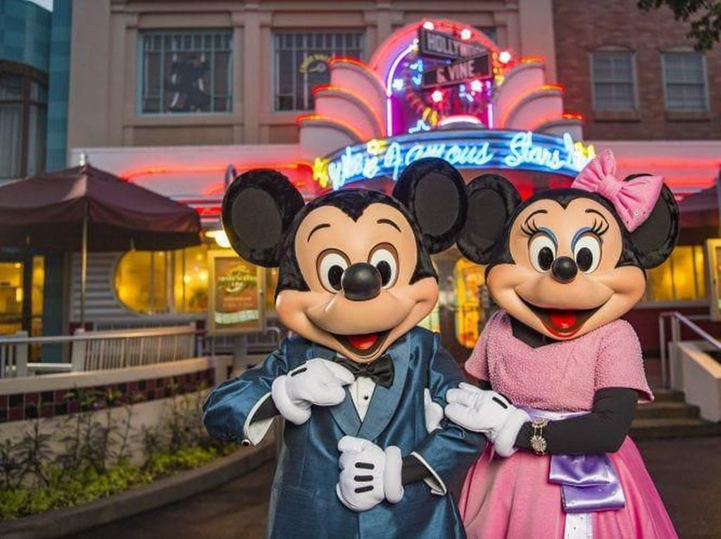 Disney World Tolak Turis Dewasa yang Pakai Kostum Karakter