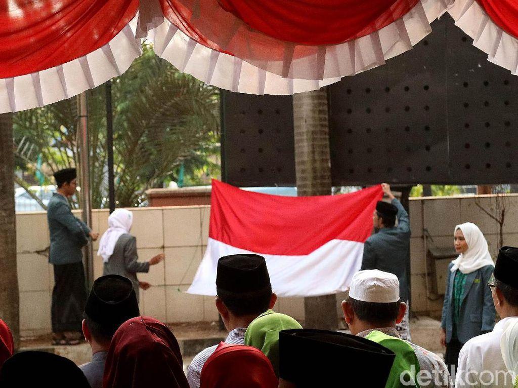 Melihat Suasana Upacara Hari Kemerdekaan di PBNU