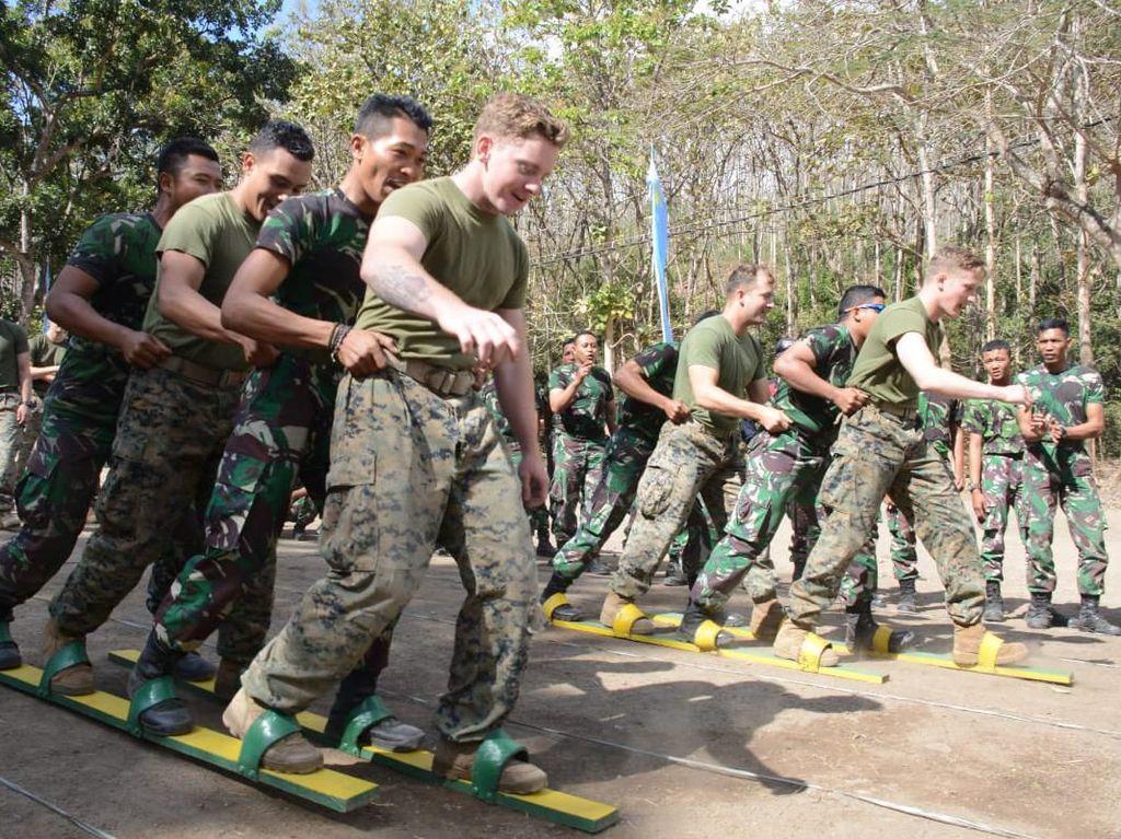Melihat Keseruan Marinir Indonesia dan AS Ikut Lomba 17-an