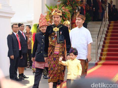 Cara Menarik Jokowi Mengenalkan Makna Kemerdekaan pada Jan Ethes