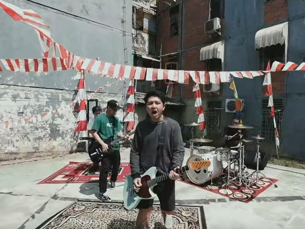 Mixed Feelings Hasil Kolaborasi Pee Wee Gaskins dan Erix Soekamti