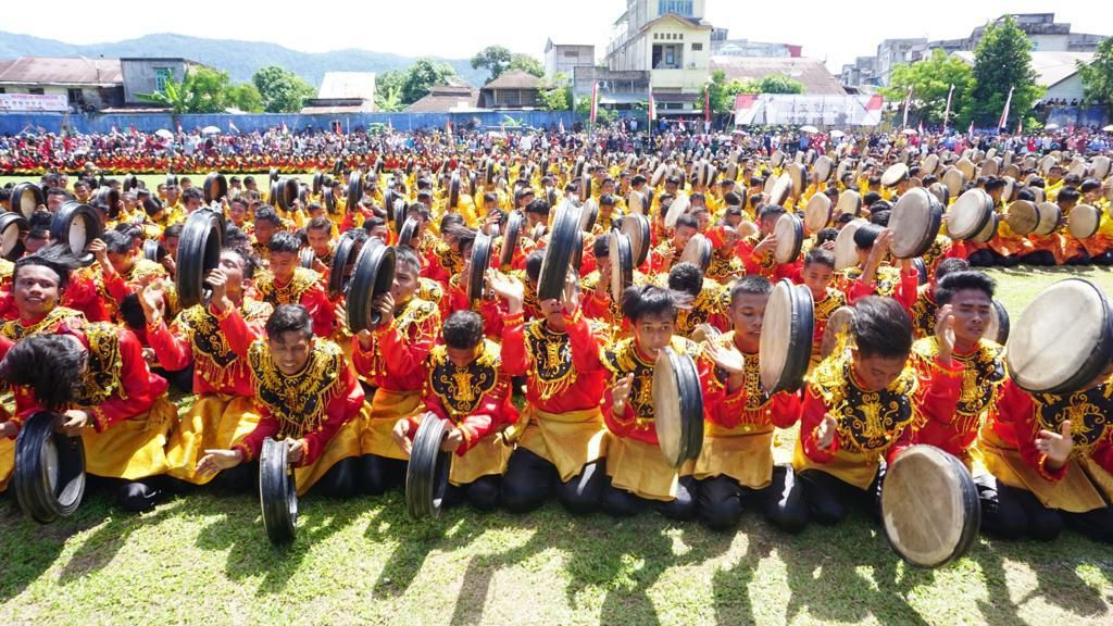 Foto: 2019 Pemuda Aceh Ramaikan HUT RI KE-74 dengan Menari