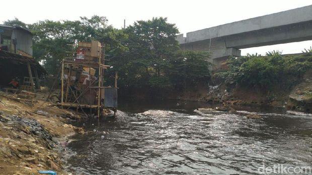 Alasan Warga di Bantaran Perlebar Lahan ke Kali Ciliwung