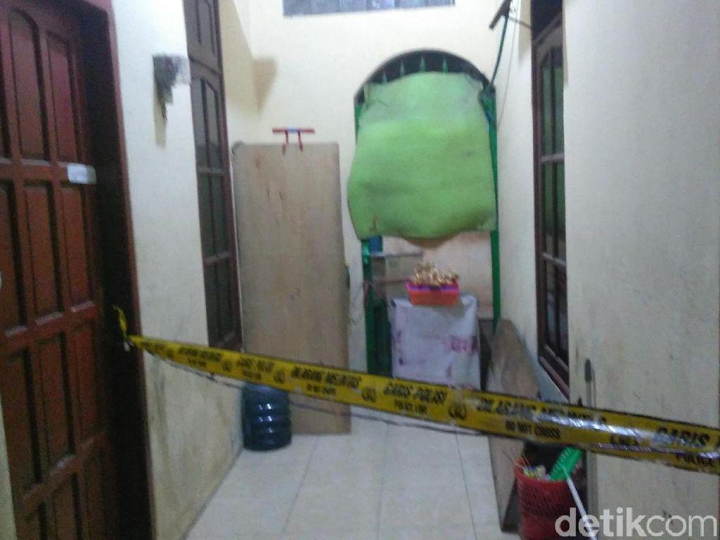 Polisi Amankan Istri dan Anak Pria Penyerang Polsek Wonokromo