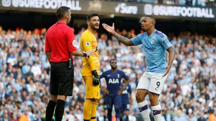 Manchester City vs Tottenham Hotspur berakhir imbang 2-2 setelah VAR batalkan gol Gabriel Jesus. (Foto: Carl Recine/Reuters)