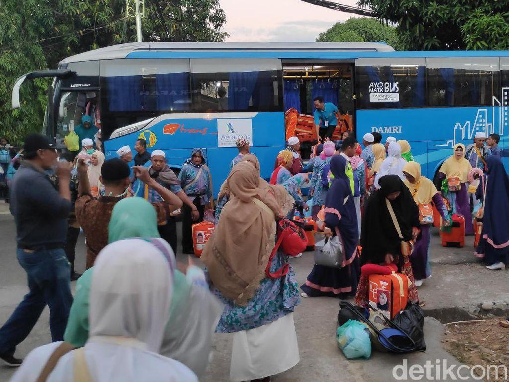 Jemaah Haji Debarkasi Makassar Tiba di Tanah Air