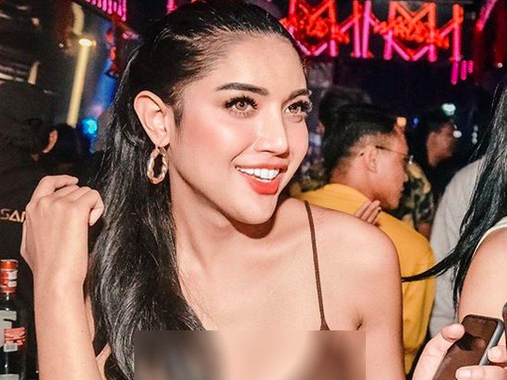 Lagi Clubbing, Jakun Millendaru Bikin Salfok