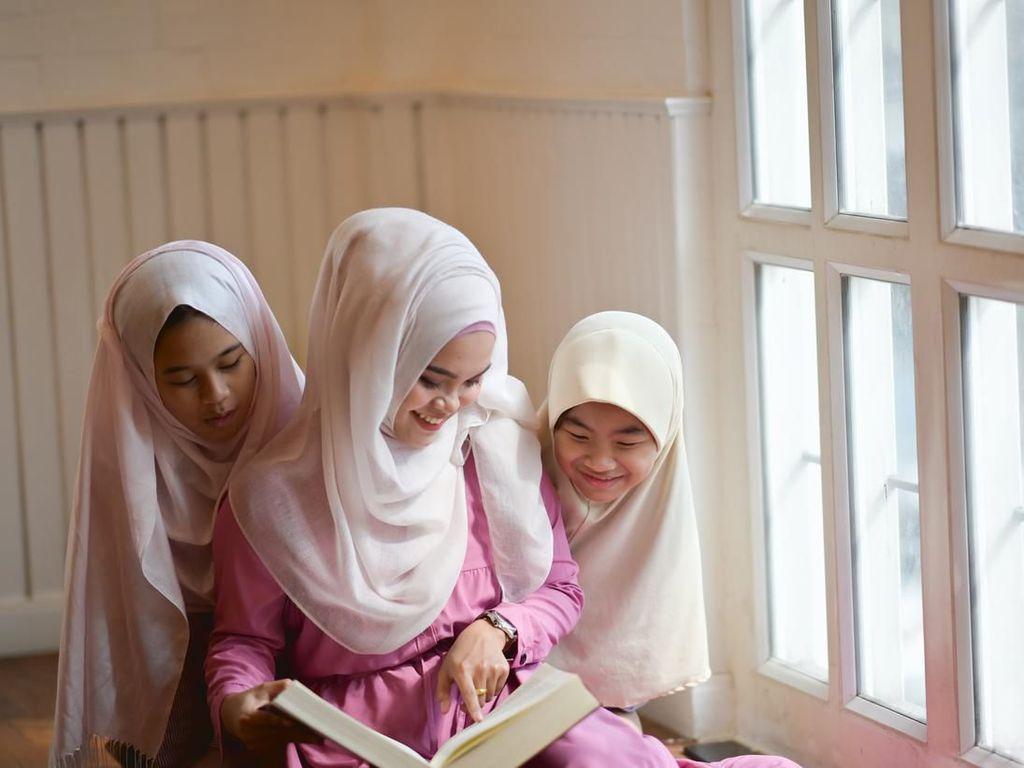 Keutamaan Berbakti kepada Orang Tua dalam Islam