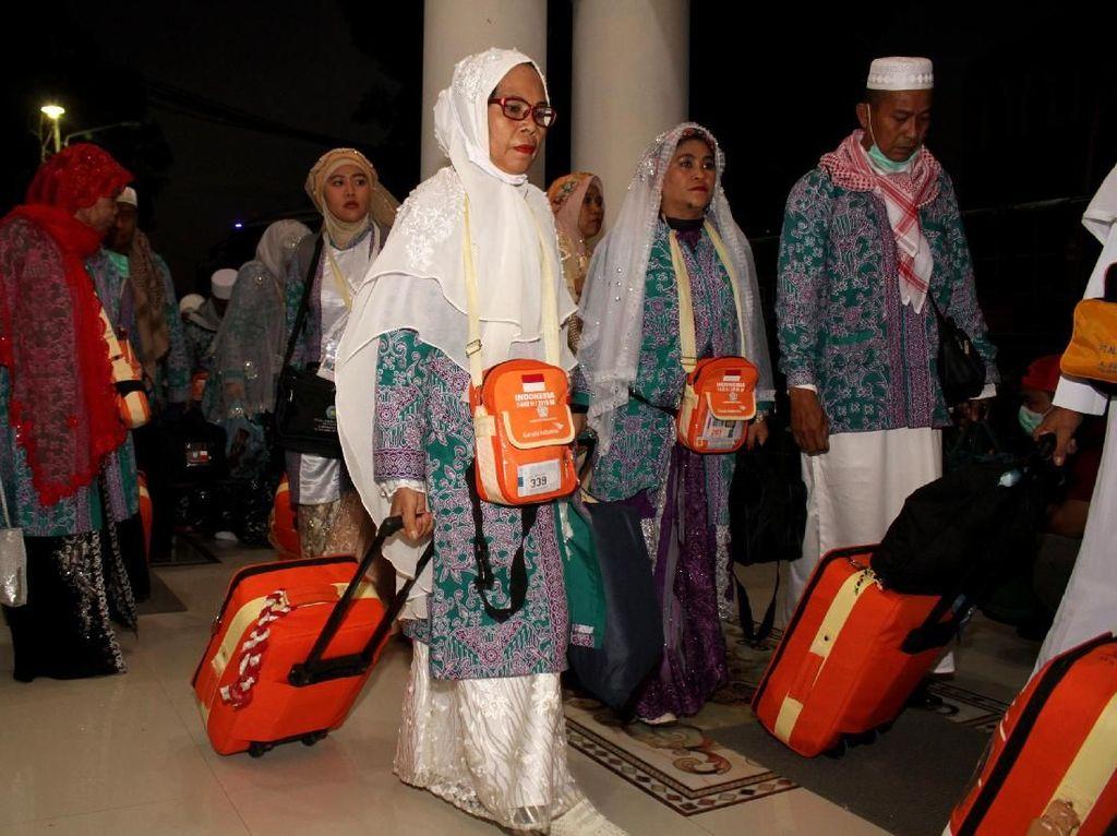 Sehari, 14 hingga 21 Kloter Jemaah Haji RI Dipulangkan