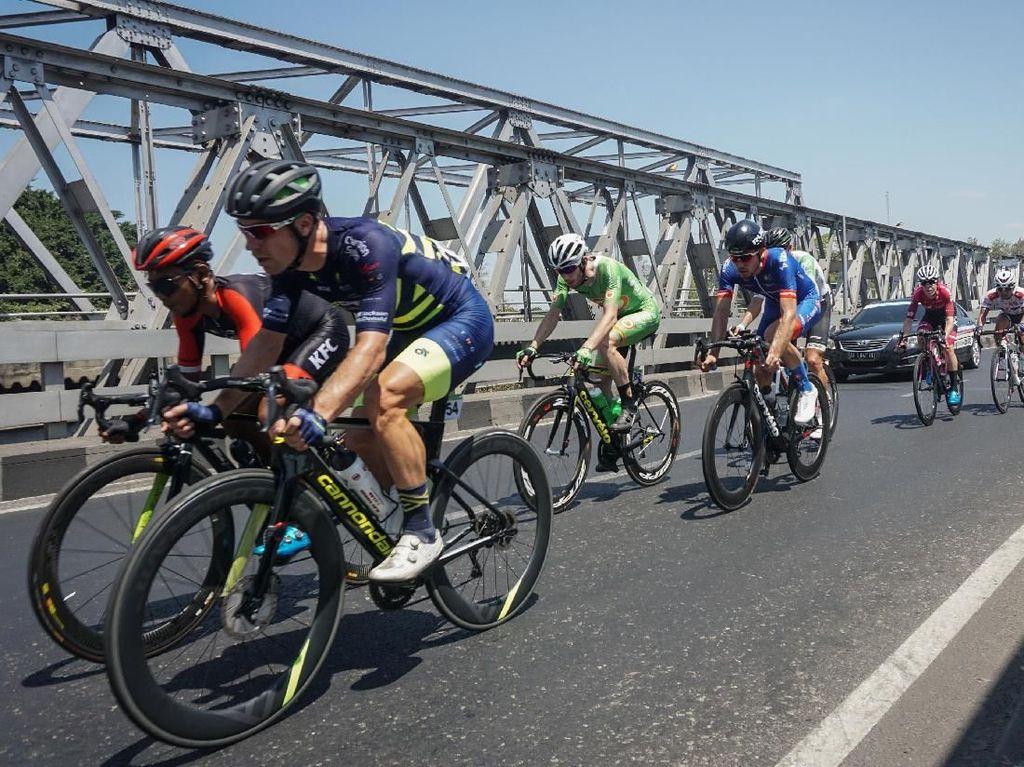 Tour dIndonesia 2019 Dimulai, Angus Lyons Kuasai Etape Pertama