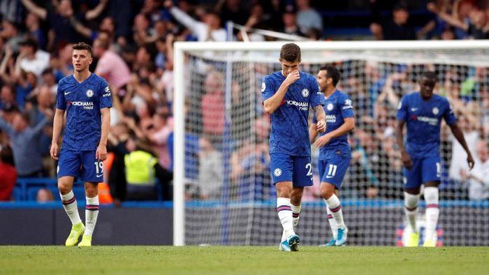 Chelsea gagal mengalahkan Leicester City meski banyak peluang di babak pertama (Action Images via Reuters/John Sibley)