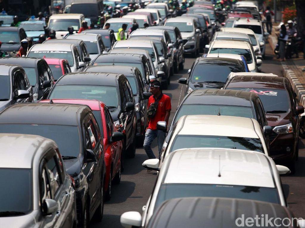 Dishub DKI Segera Uji Publik Terkait Taksi Online Protes Ganjil Genap