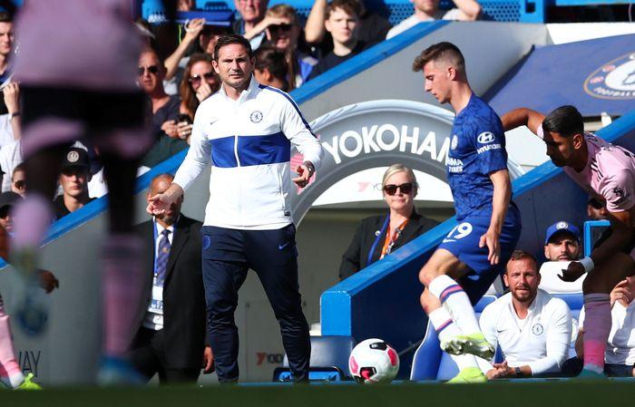 Chelsea gagal memaksimalkan partai kandang pertamanya di Premier League musim ini. REUTERS/Eddie Keogh.