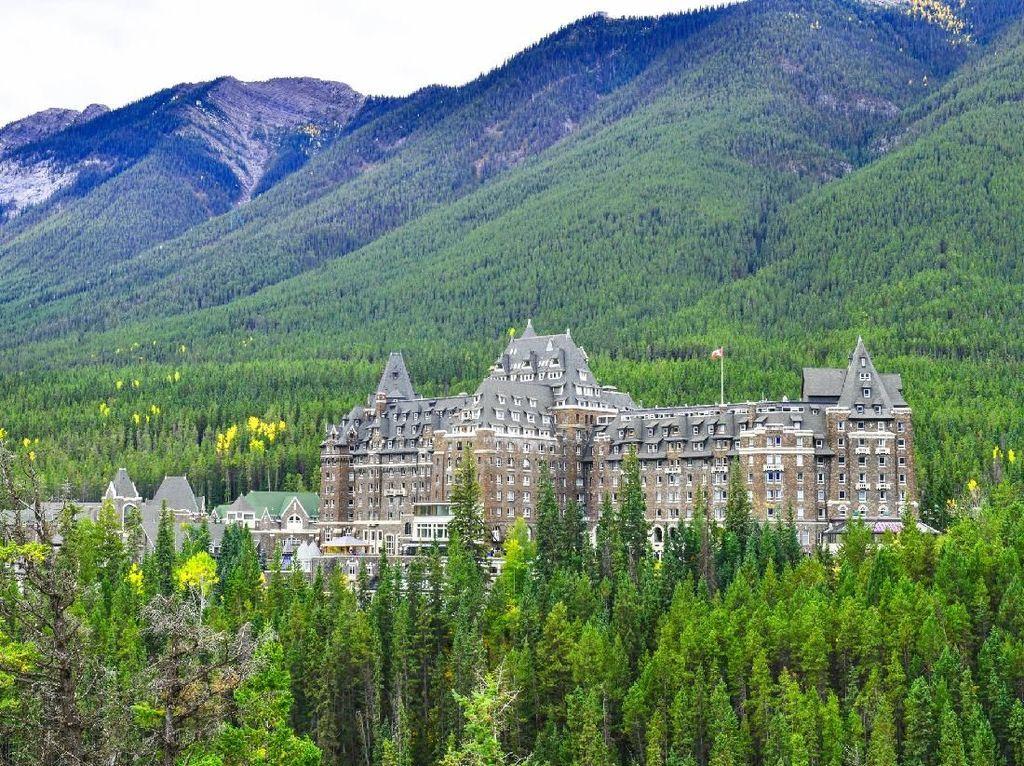 Kisah Hotel Horor di Taman Nasional Warisan Dunia UNESCO