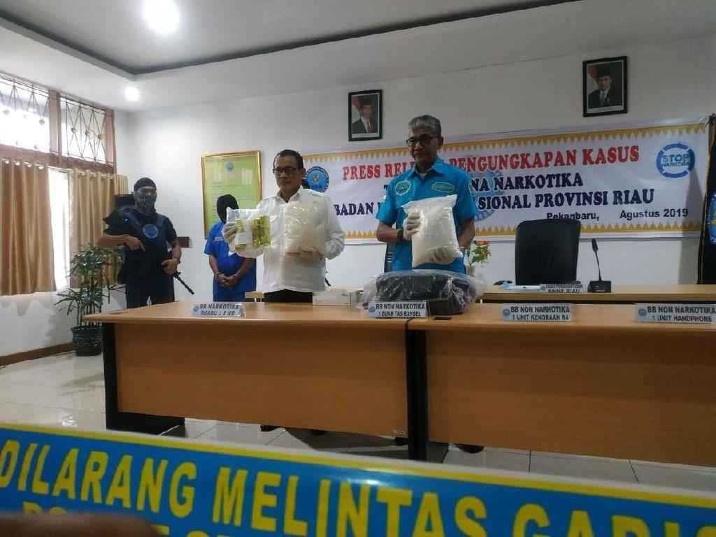 BNN Riau Amankan 8 Kg Sabu Asal Malaysia, 1 Orang Tersangka