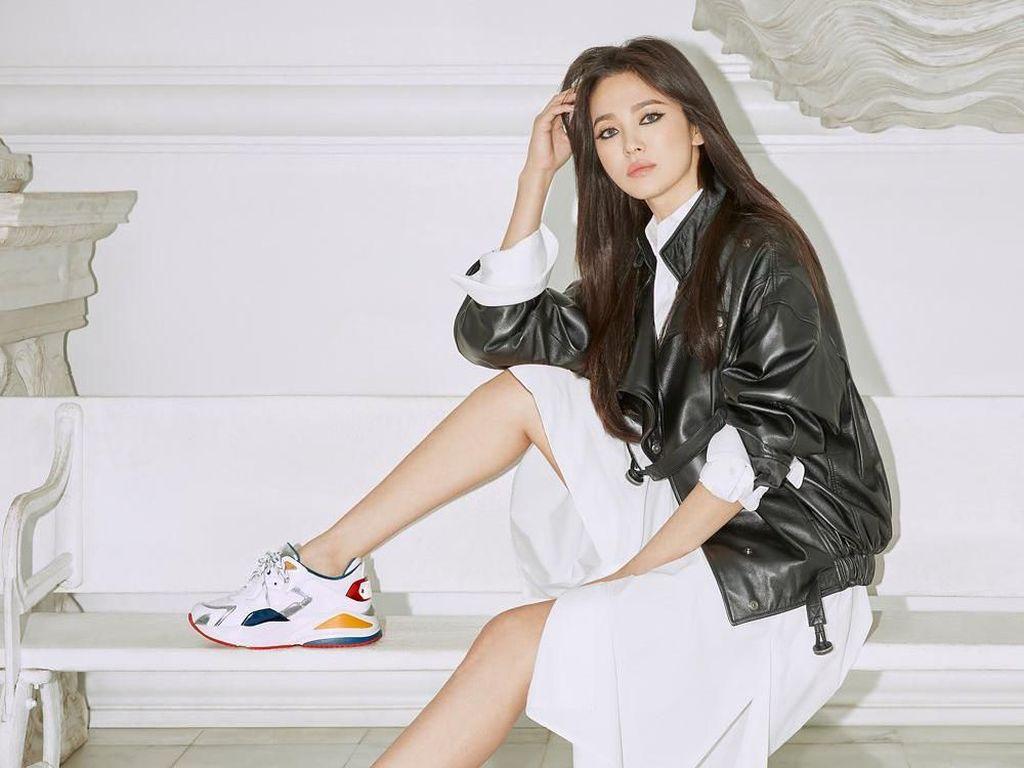 10 Penampilan Menawan Song Hye Kyo Pascacerai dari Song Joong Ki